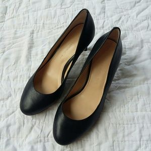 Banana Republic Black Classic Leather Pumps